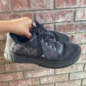 HOKA ONE ONE CAVU Mens black running shoes SZ 9